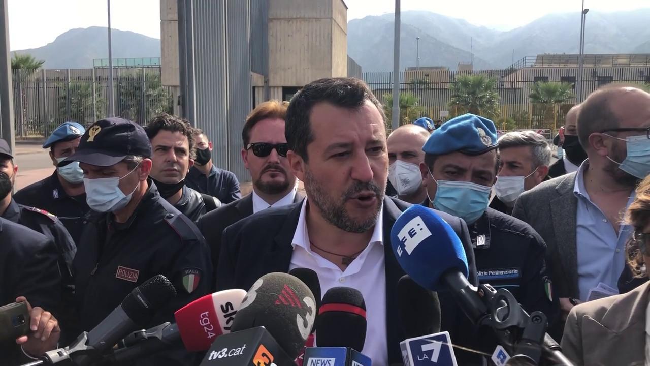 Salvini Errore finanziare reddito cittadinanza e tagliare pensioni