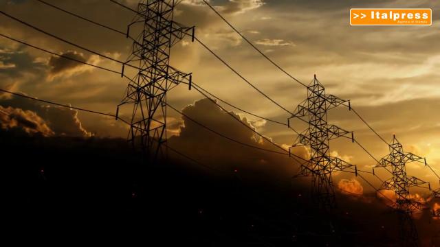 Da Commissione UE pacchetto misure contro il caro-energia