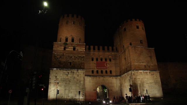Roma, nuova illuminazione per Porta San Sebastiano